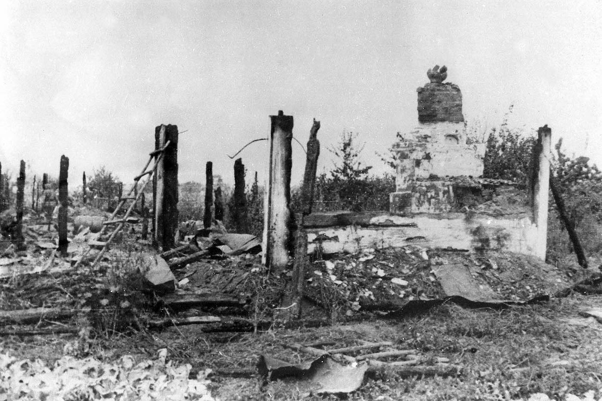 Ruinen in Korjukiwka 1943